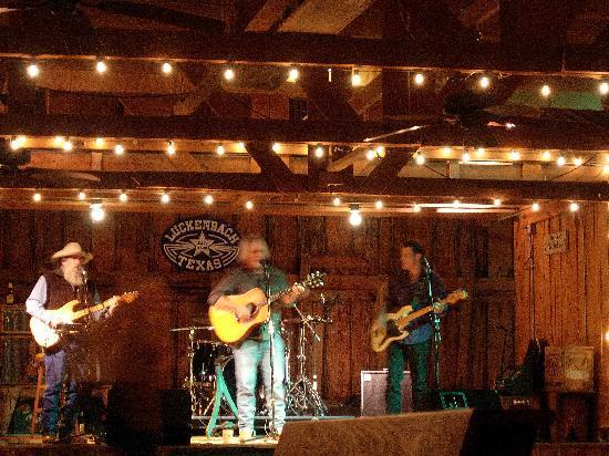 Luckenbach, TX: Immer gute Musik in Dance Hall