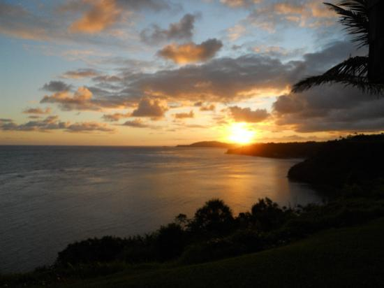 Sealodge at Princeville: Sun rise over Annie Beach - lanai view