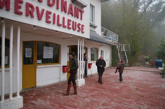Grotte de Dinant : main building