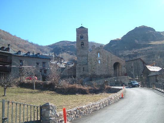 Iglesias románicas catalanas de la Vall de Boí: Durro , Vall de Boi