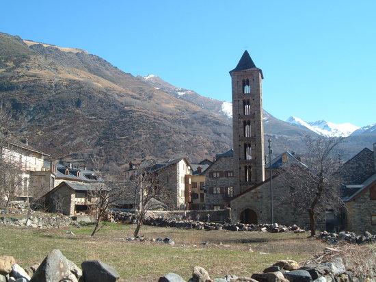 Catalonia, Spanyol: Santa Eulalia de Erill la Vall , Vall de Boi