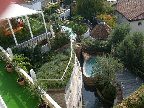 Erika: Außenbereich der Olivensauna