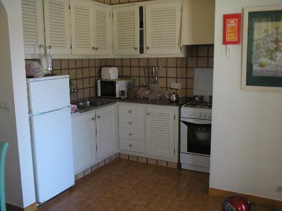 Apartments San Jaime: kitchen