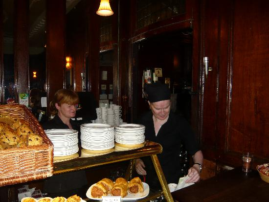 The Grand Hotel Tralee: The girls in the restaurant/bar
