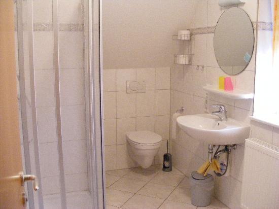 Weinhof St. Barbara: Bathroom.