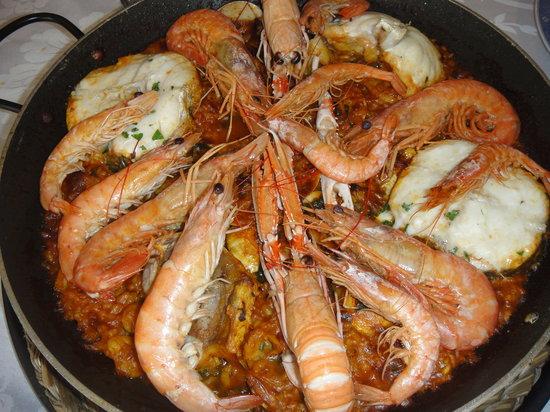 Paella de gambas y pescado picture of el serete madrid - Paella de pescado ...