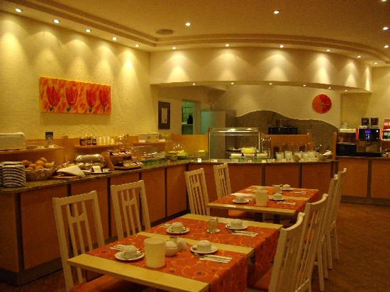 Hotel Amba: 朝食のレストラン