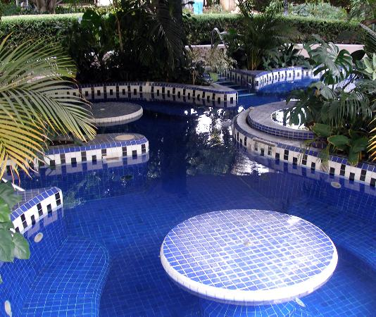Hotel Spa Ixtapan: Outside Jacuzzi
