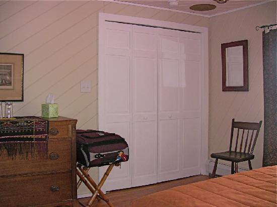 Tabor House Inn: Upstairs Bedroom