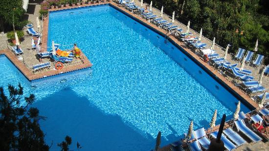 beautiful hotel pool picture of hotel royal positano. Black Bedroom Furniture Sets. Home Design Ideas
