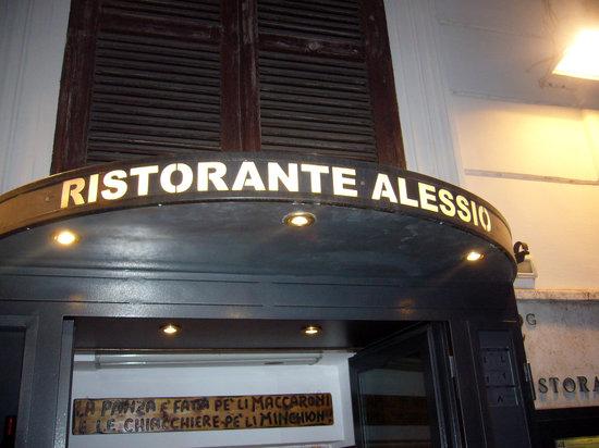 Ristorante Alessio : 外観(店の名前だけです・・・)