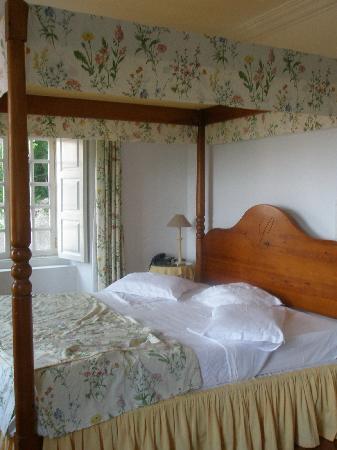 Lawrence's Hotel: La cama de nuestra habitación (William Beckford)
