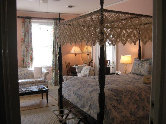 The Morehead Inn: Cleveland bedroom, all in toile