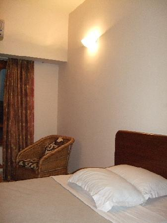 Hotel  Lhaki : 部屋