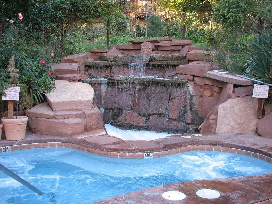 Hot tub area Picture of Cliffrose Lodge Gardens Springdale
