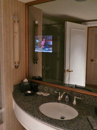 JW Marriott Miami Room 2212 Bathroom