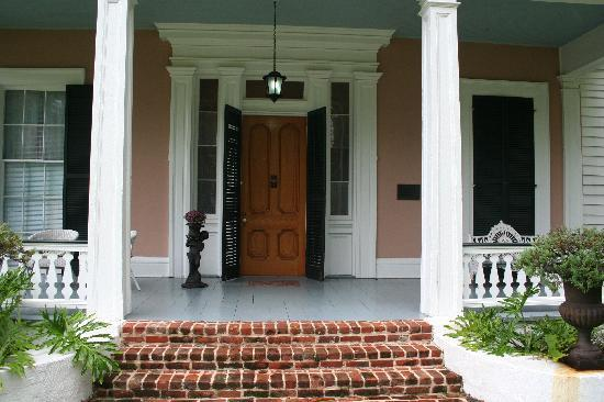 Stone House Musical B&B: Entrance