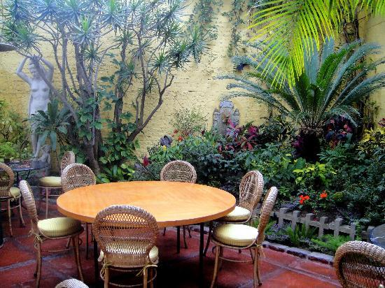 Hotel Monte Real : the patio