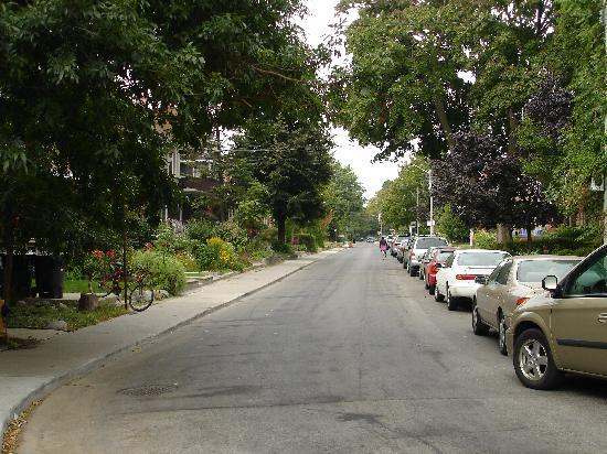 Clinton and Bloor B&B: Liegt in ruhiger Wohnstrasse
