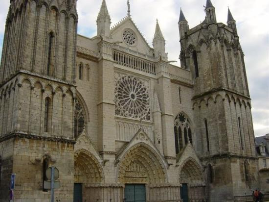 Poitiers glise sainte radegonde picture of poitiers for Vienne poitiers