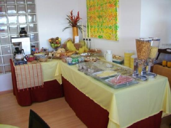 Hotel Casa do Outeiro: breakfast buffet