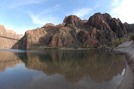 Phantom Ranch : Boat Beach - 47 degree water but refreshing!