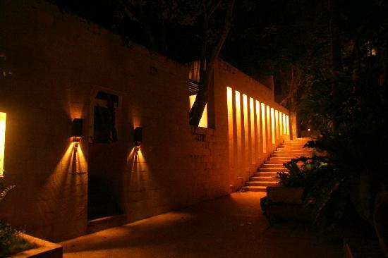 Abaca Boutique Resort: The Spa at night