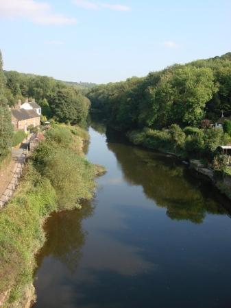The Iron Bridge and Tollhouse: The mighty Severn