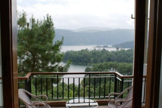 Ri Kynjai: Resort, Shillong