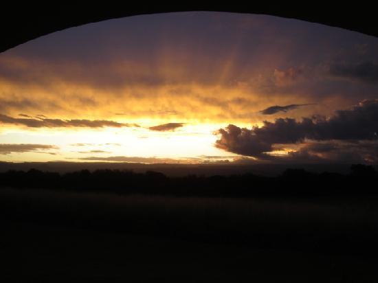 El Colibri - Estancia de Charme: coucher de soleil de notre chambre