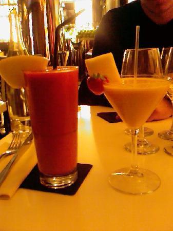 """Le Paradis du Fruit: 2 exemples de cocktails .. Le rose sans alcool """" le rose paradis  """" et l'autre plus petit, cockt"""