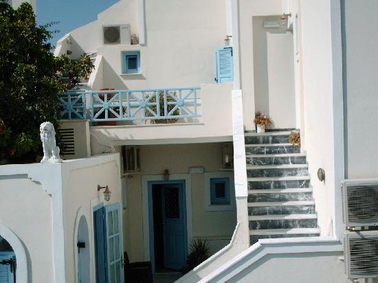 Photo of Villa Roussa Fira