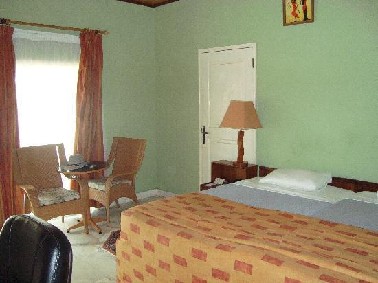 Busua Waves Resort: Vue de notre chambre au Busua Beach Resort (2)