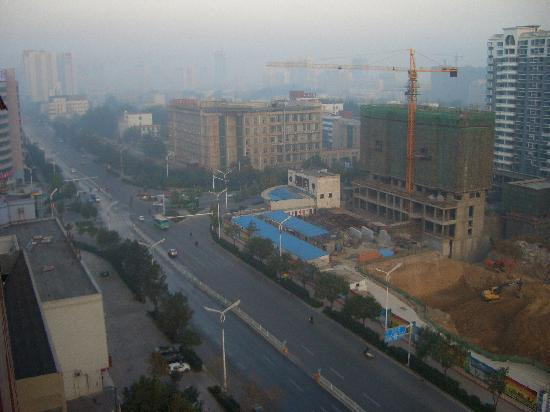 Hongzhen Anyue Hotel Weifang Shengli East: 対面はマンション工事中