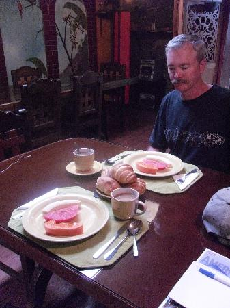 Sol de Quito Museum Hotel: First course of breakfast, every morning!