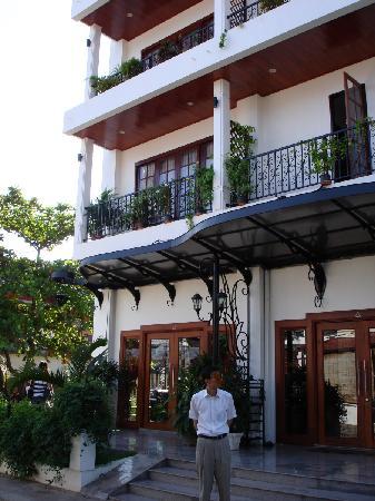 Vayakorn Inn: facade