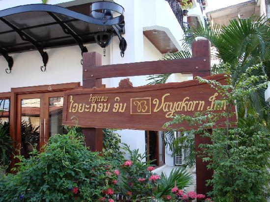 Vayakorn Inn: Hotel Sign