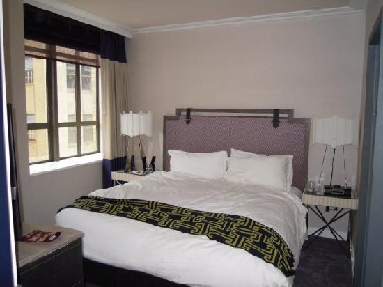 Kimpton Hotel Palomar Philadelphia : Suite 910 bedroom