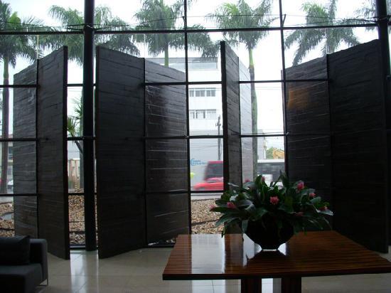 Hotel Unique: Lobby