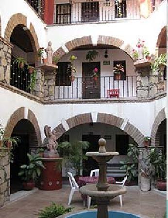 Hotel Molino Del Rey: Great little, quiet & bright courtyard