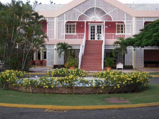 Puerto Plata Village Resort: un des restaurants- repas local