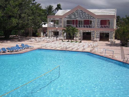 Puerto Plata Village Resort: vue de la piscine