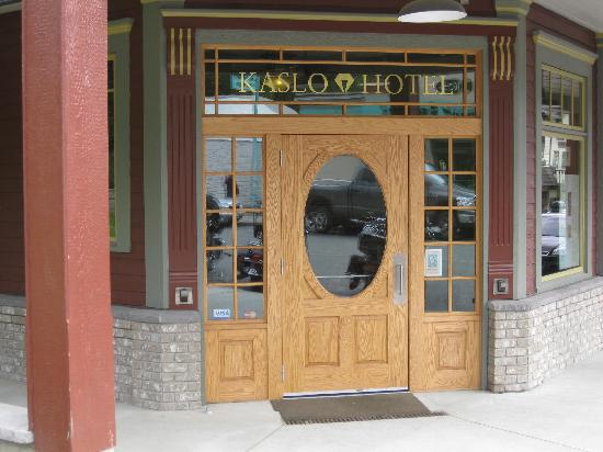 Kaslo Hotel: Entrance to the Hotel