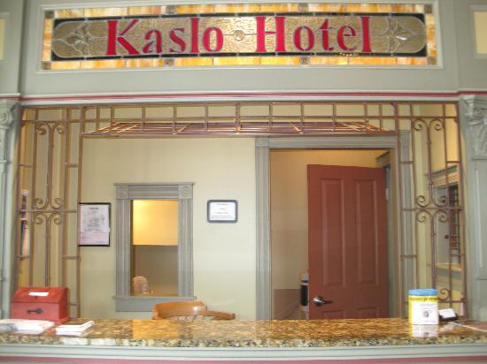 Kaslo Hotel: Checking in