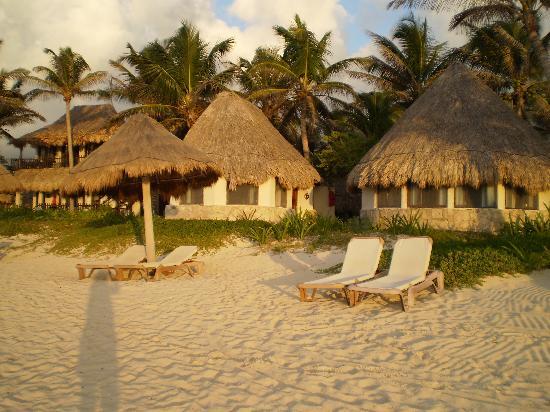Maya Tulum Resort : The oh so crowded beach