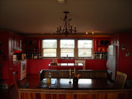 Port Rexton, Canada: Erin House Kitchen