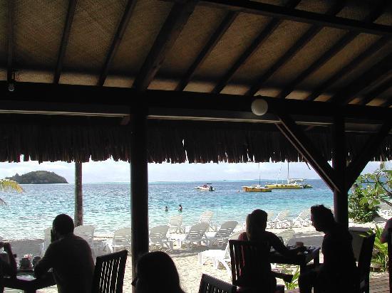Bora Bora Beach Resort : Beachfront dining
