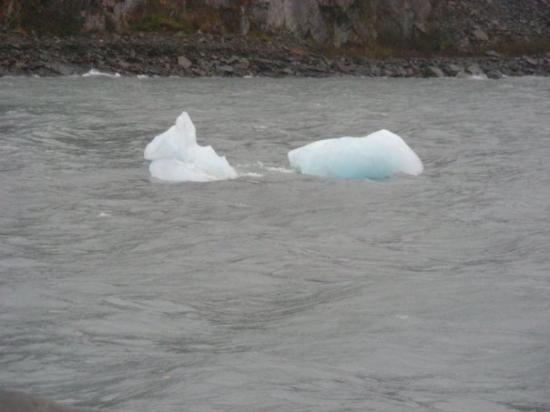 Portage Glacier: Glaciers look blue!