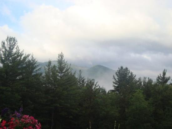 Keene Valley, NY: foggy morning mountains