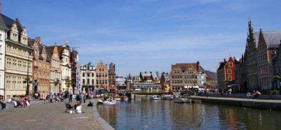 กราสเลและโคเรนไล: The most beatiful area in Ghent - Koornlei and Graslei; Street of the wheat and Street of the He